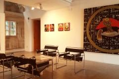 Sala de exposiciones. Obra de Manuel Moldes.