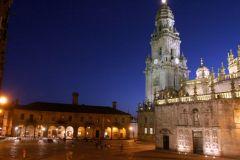 Plaza-de-la-Quintana-de-noche-con-la-Casa-da-Conga-al-fondo