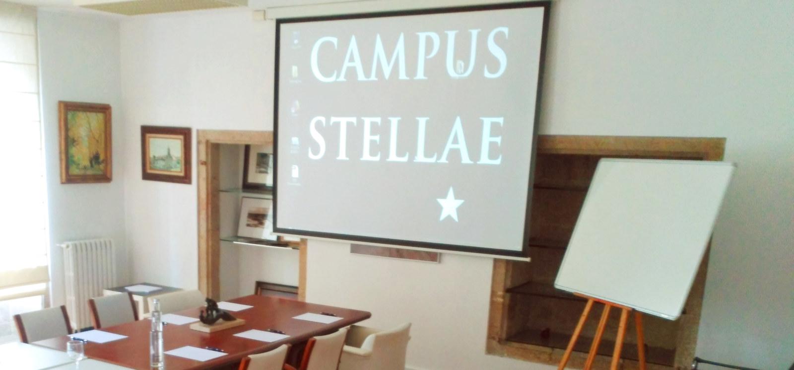 Espacio para cursos y seminarios - Campus Stellae - Alquiler de salas