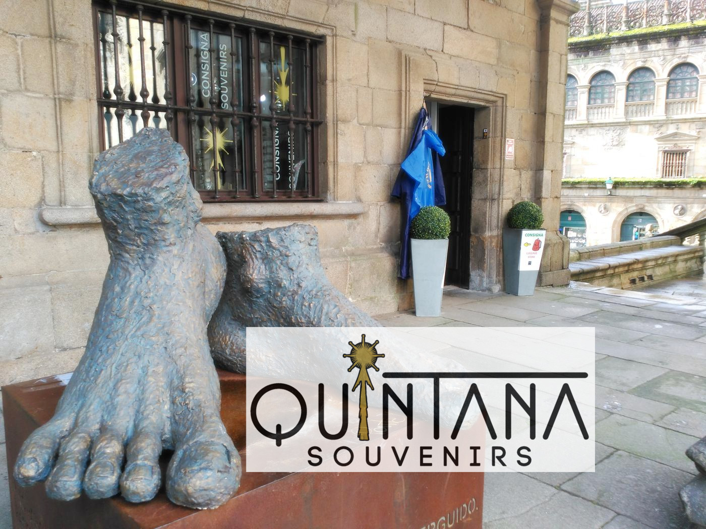 Quintana Souvenirs y Consigna en Santiago